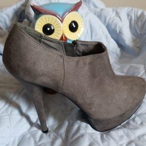Mossimo boot